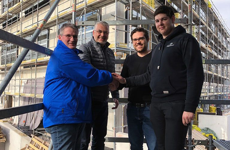 v.l.n.r.: Gerald Szoldatits (Planungs- und Baustellenkoordinator), Reinhard Übleis (Geschäftsführer), Thomas Ranz (Oberbauleiter), Christoph Kösterke (Bauleiter)