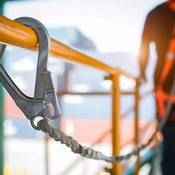 Kennen Sie die 8 goldenen Regeln für mehr Sicherheit auf der Baustelle?