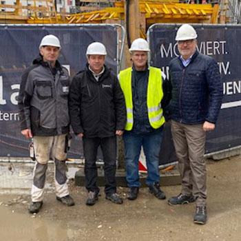 v.l.n.r.: Bajrami Besnik (Vizepolier, Sedlak), Michael Hahn (Polier, Sedlak), Gerald Szoldatits (Planungs- und Baustellenkoordinator), Reinhard Übleis (Übleis Sicherheitstechnik)